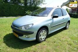 hatchback auto Peugeot 1.1 XR airco 2004