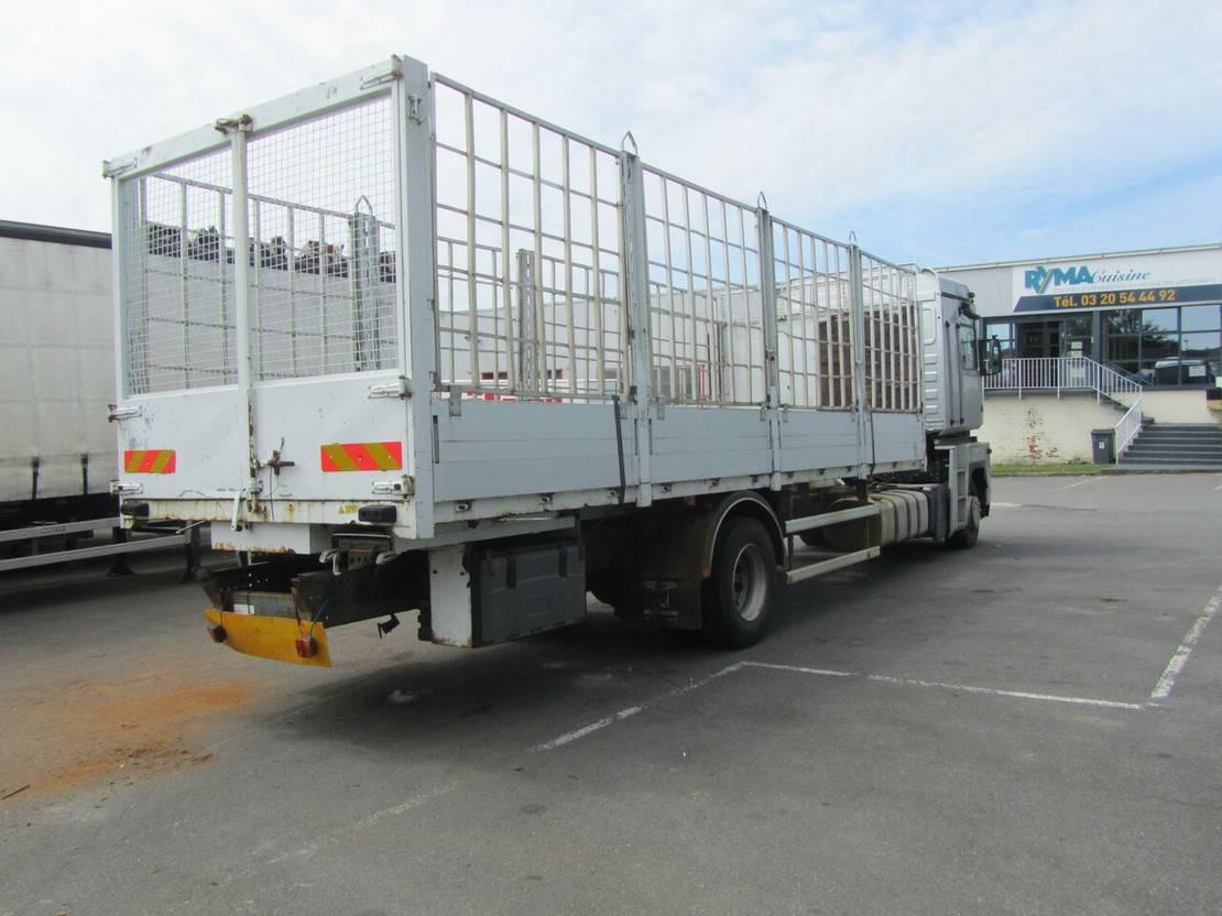 chassis cabine vrachtwagen Renault Magnum 460 2008