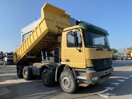 kipper vrachtwagen > 7.5 t Mercedes-Benz Actros 3235 8X4 MANUAL FULL STEEL EURO 3 + TIPPER 2002