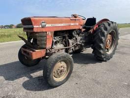 standaard tractor landbouw Massey Ferguson 155 1975