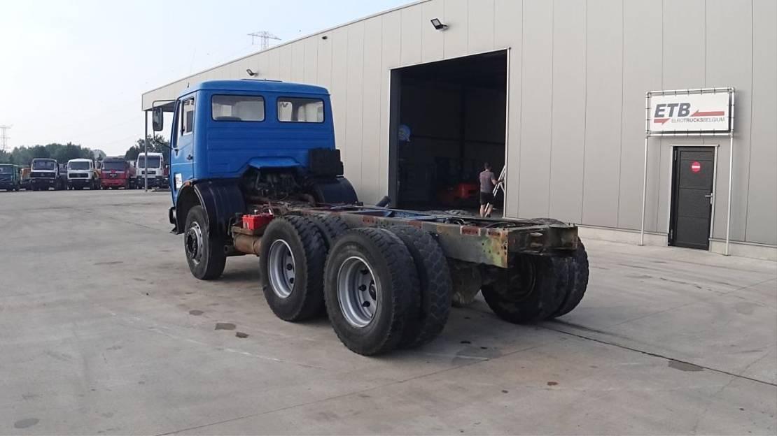chassis cabine vrachtwagen Mercedes-Benz SK 2228 (SUSPENSION LAMES / 10 ROUES / 6X4 / POMPE ET BOITE MANUELLE) 1989