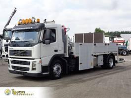 platform vrachtwagen Volvo FM 9 MANUAL + HMF CRANE 2006
