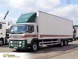 bakwagen vrachtwagen Volvo FM 330 Euro 5 + 6x2 + ADR + Lift 2011