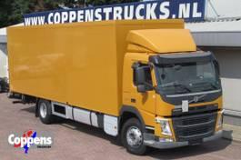 bakwagen vrachtwagen Volvo FM 330 Euro 6 Perfect as horsetruck 2014