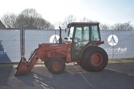 standaard tractor landbouw Kubota L3250 2000