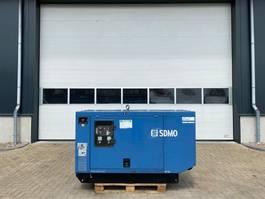 generator SDMO JM40 K John Deere Mecc Alte Spa 40 kVA Supersilent generatorset 2002