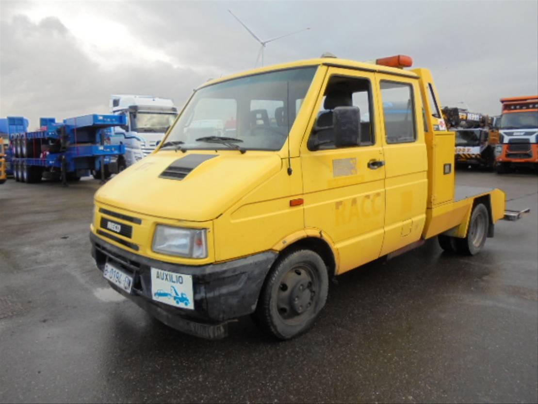 takelwagen-bergingswagen-vrachtwagen Iveco 49E10 1998