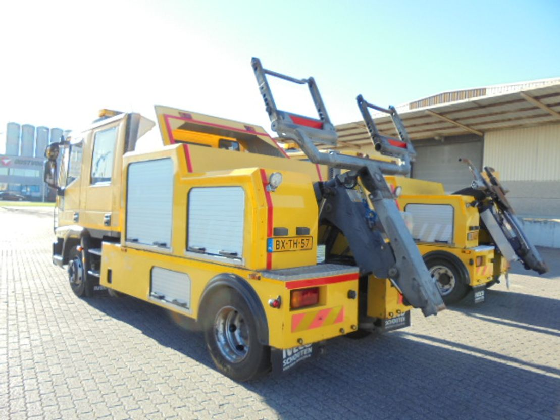 takelwagen-bergingswagen-vrachtwagen Iveco ML 80 E18D 2X 2010