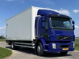 bakwagen vrachtwagen Volvo FL 240 .18 ton. Aut. 2013