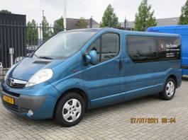 gesloten bestelwagen Opel 2.5 CDTI L2H1 DC 2009