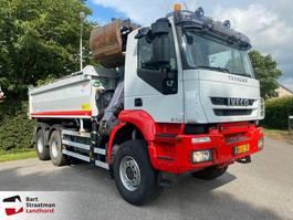 kipper vrachtwagen > 7.5 t Iveco Eurotrakker 380 6x6 kipper met Epsilon Palfinger Z-kraan euro 5 2010
