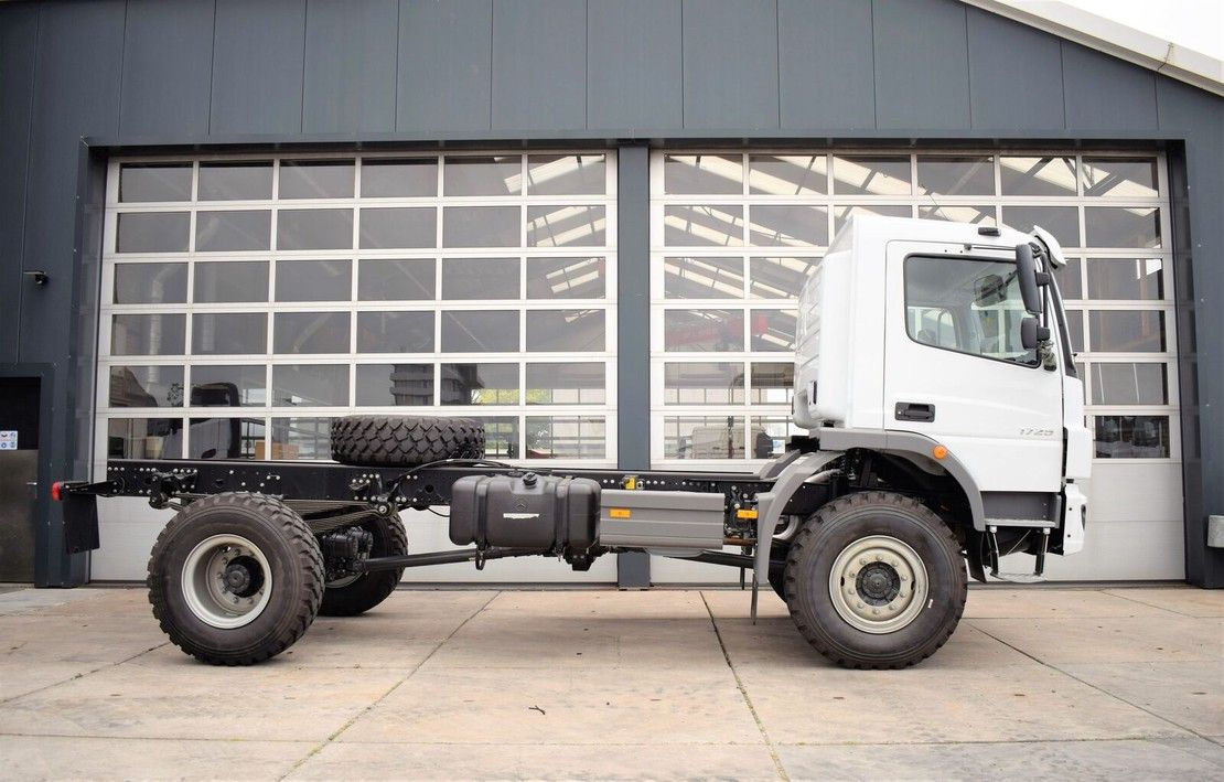 chassis cabine vrachtwagen Mercedes-Benz 1725 4×4 2021