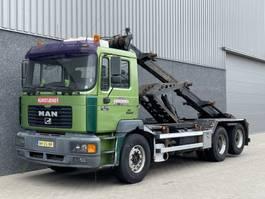containersysteem vrachtwagen MAN 28-414 F2000 / Manual / Retarder / ZF / Twin split / Big axle / 6x2 / Ketting containersysteem / NL Trucks 2000