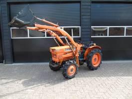 standaard tractor landbouw Kubota L 1511 Hydrostaat met voorlader