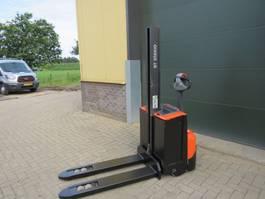 vorkheftruck BT SWE-080-L stapelaar elektrische met maar 492 draaiuuren 2015