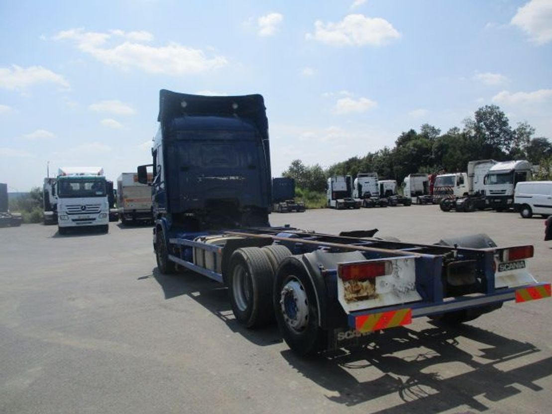 chassis cabine vrachtwagen Scania R420 6x2 2006