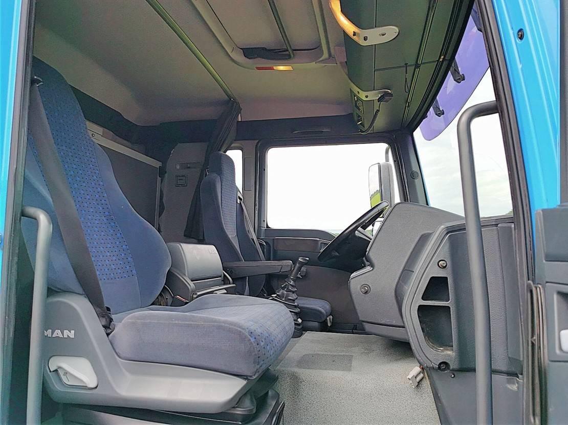 chassis cabine vrachtwagen MAN TGA 26 6x2 manual 2006