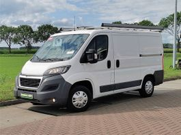gesloten bestelwagen Peugeot 330 2.2 hdi ac navi! 2015