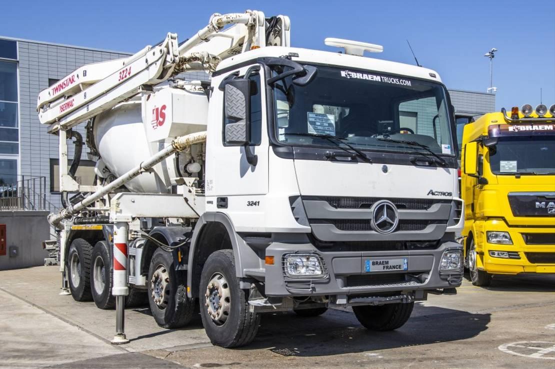 betonpomp vrachtwagen Mercedes-Benz Actros 3241 + POMPE SERMAC 3Z24 2012