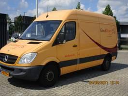 gesloten bestelwagen Mercedes-Benz 210 2.2 CDI 366 HD 2009