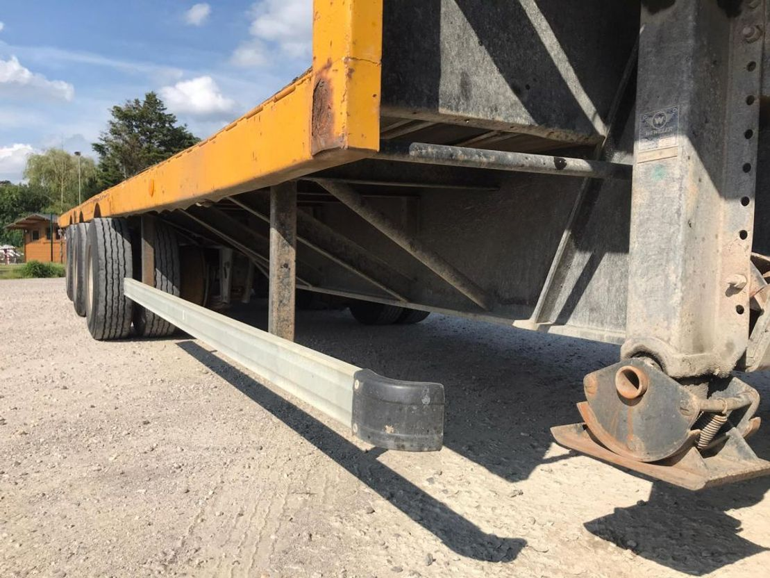 semi dieplader oplegger Fruehauf BLADVERING / STEEL suspension LAMES