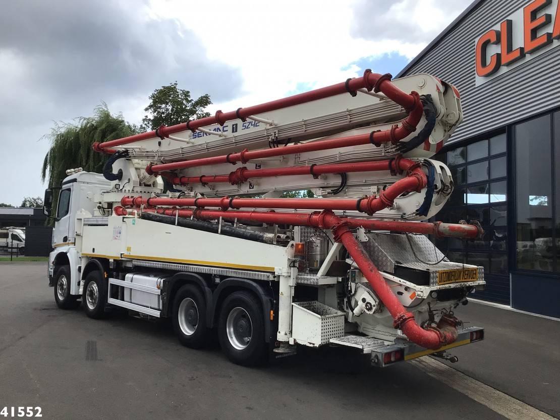 betonpomp vrachtwagen Mercedes-Benz 4151 8x4 Euro 6 Sermac 42 meter concrete pump 2017
