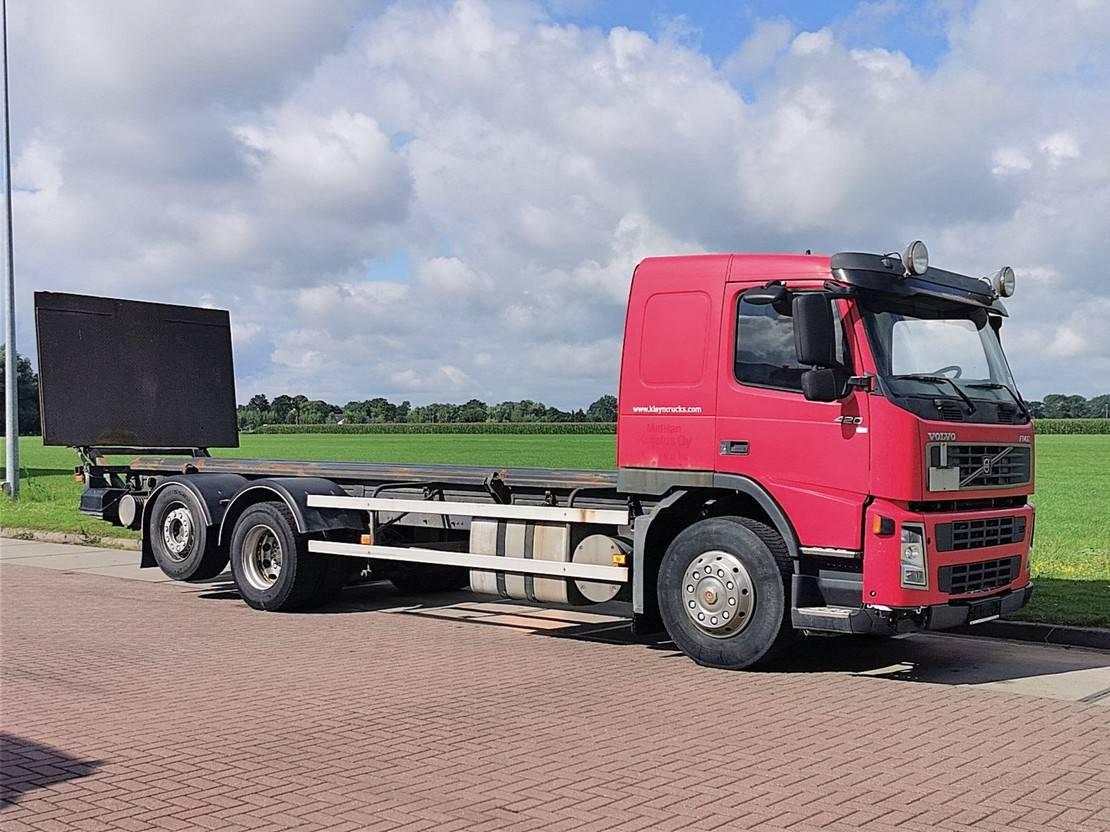 chassis cabine vrachtwagen Volvo FM 12 6x2 manual 2005