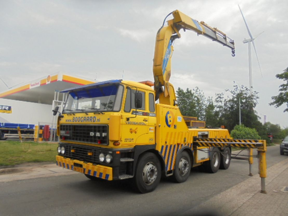 takelwagen-bergingswagen-vrachtwagen DAF FAD3600 ATI 8X4 1994