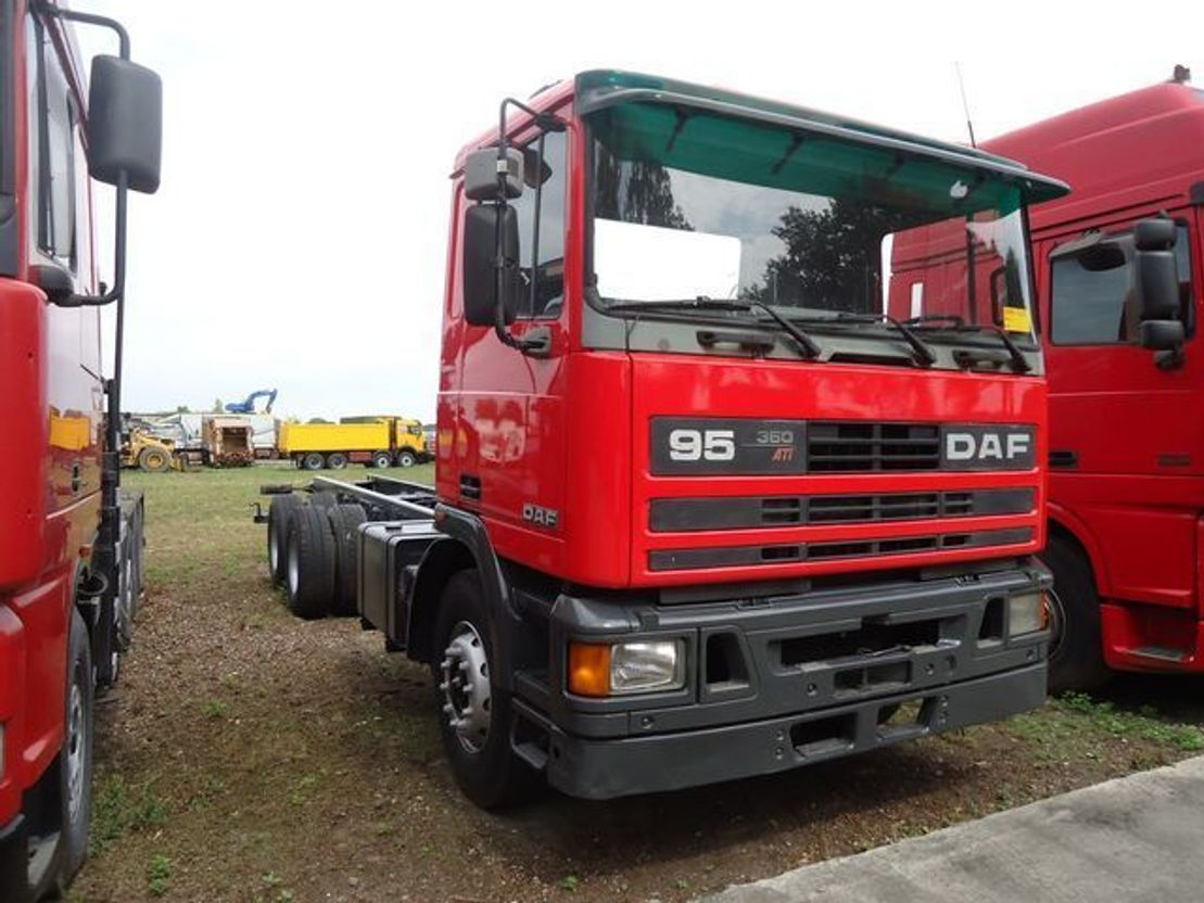 chassis cabine vrachtwagen DAF 95.360 Chassis 6x4 1989