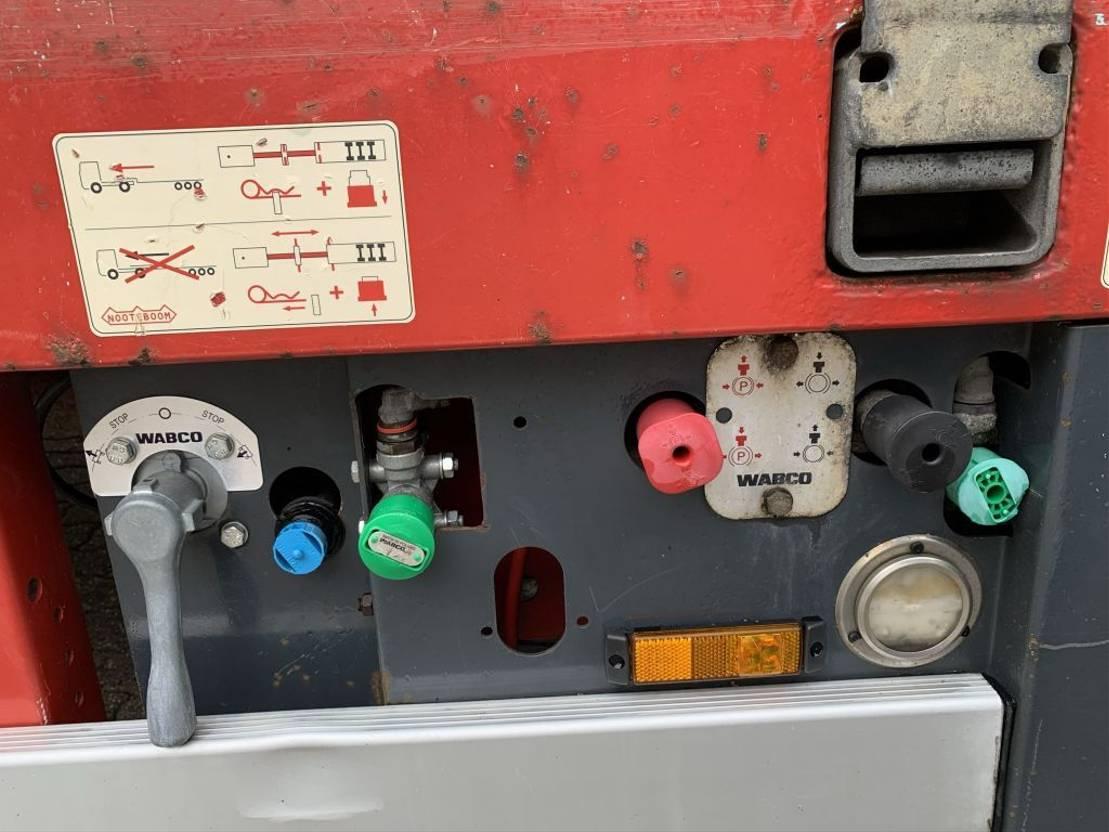 semi dieplader oplegger Nooteboom OSDS-58-04V 4 AS Semi 6.8M Uitschuifbaar/Exentdable 2x Steering 2007