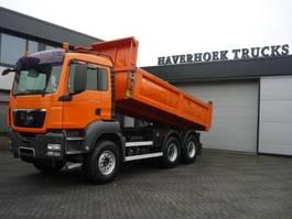 kipper vrachtwagen MAN TGS 33 6x4 EURO 4 STEEL BACK TIPPER  WITH  RETARDER 2009