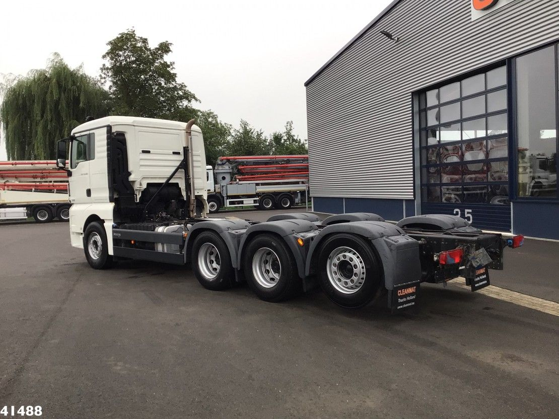 chassis cabine vrachtwagen MAN 35.560 8x4 Euro 6 Chassis 2015