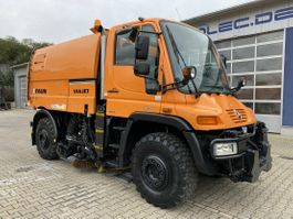 Veegmachine vrachtwagen Unimog U 400 4x4 Euro 5 Kehrmaschine Faun VIAJET 5 2009