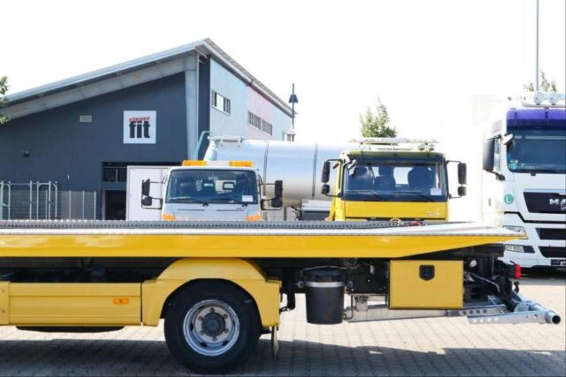 takelwagen-bergingswagen-vrachtwagen Mercedes-Benz Atego 1023 Abschlepper Seilwinde Schiebe-Plateau 2017