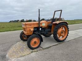 standaard tractor landbouw Fiat 450 1981