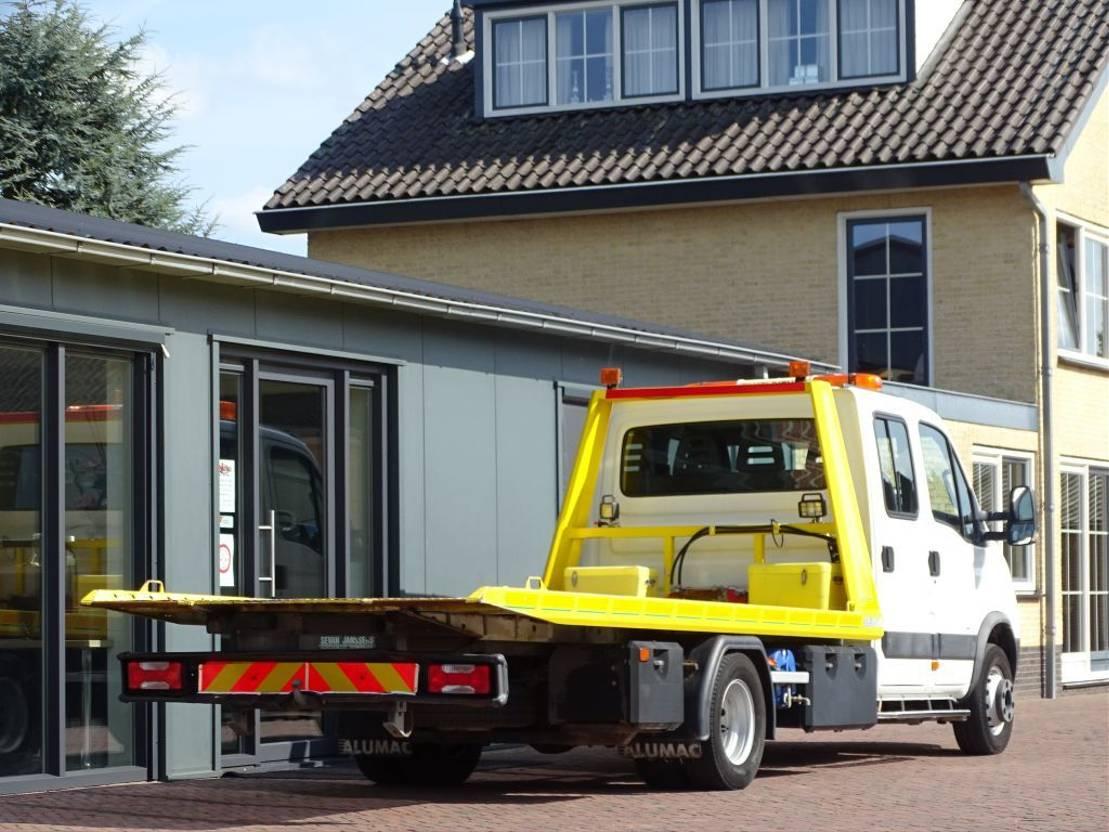 takelwagen-bergingswagen-vrachtwagen Iveco 65.18 DC AUT AC TOWTRUCK WINCH loadcap 2400kg 2008