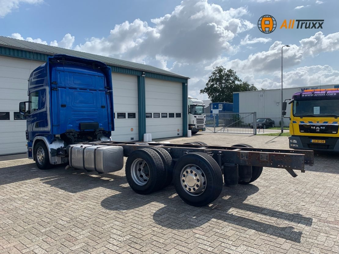 chassis cabine vrachtwagen Scania R124 6X2 Retarder 2002