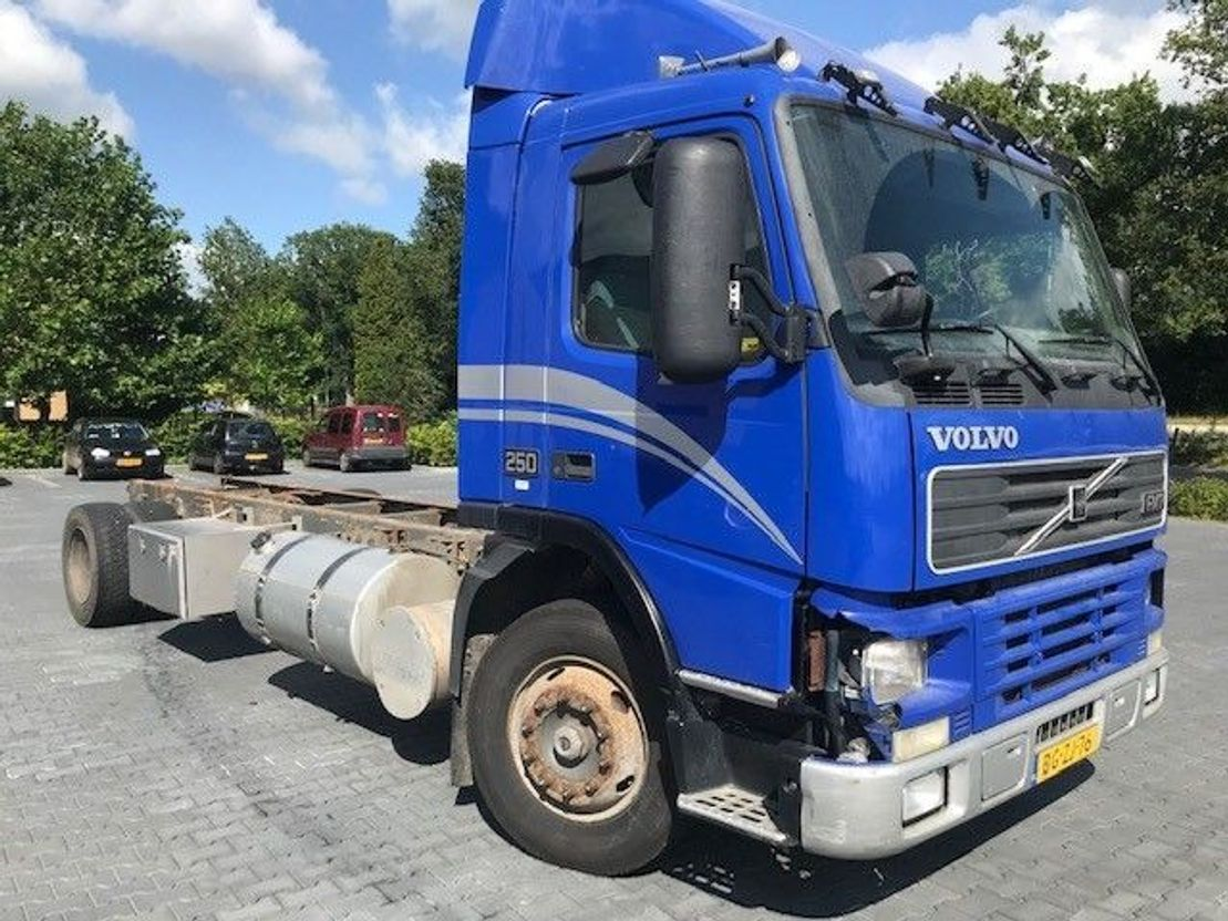 chassis cabine vrachtwagen Volvo FM7.250 1999