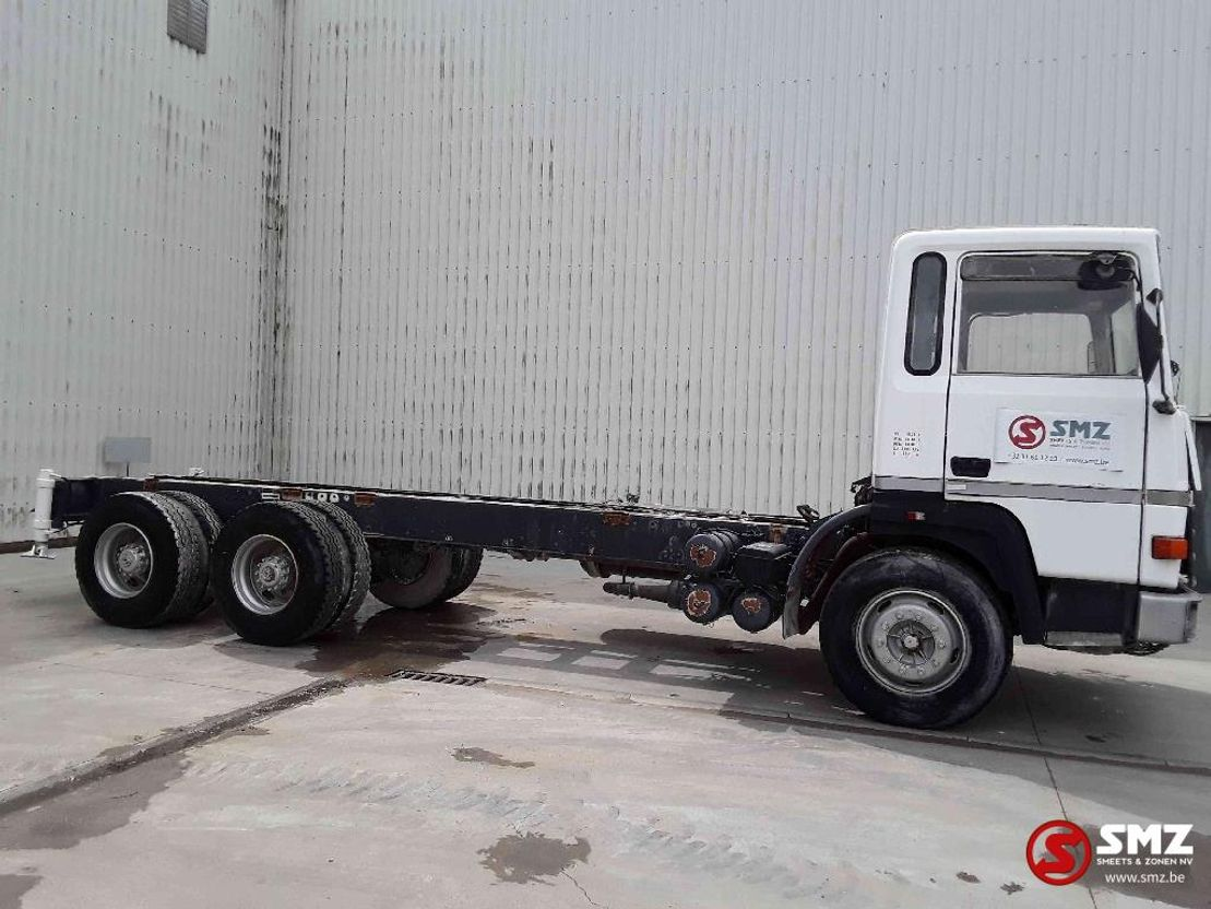 chassis cabine vrachtwagen Renault R 310 6x4 lames no 385 1984