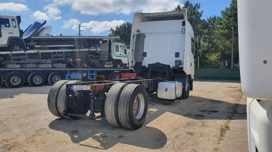 chassis cabine vrachtwagen Iveco Eurostar 190E42