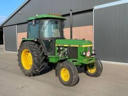 standaard tractor landbouw John Deere 2040S
