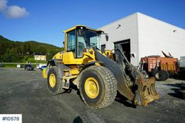 wiellader Volvo 90G Wheel loader with bucket and 2 sets of tires 2014