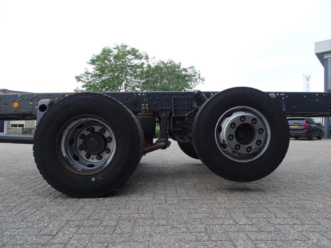 chassis cabine vrachtwagen Iveco / AUTOMATIC / STEERING AXLE / 6X2 / EURO-6 / 2015 2015