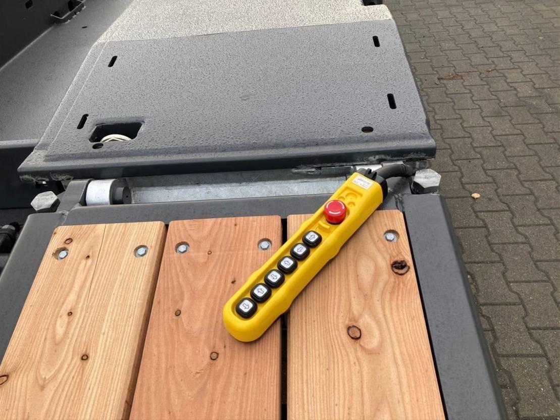 semi dieplader oplegger Goldhofer 3-Achs-Tele-Semi mit hydr. Rampen Stepstar
