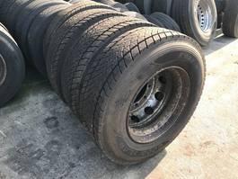 banden vrachtwagen onderdeel Goodyear KMAX D 305/70R22.5 (DOT 0221) SET 2021