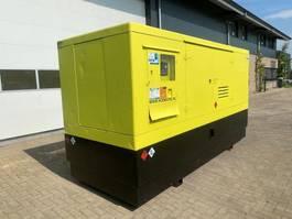 generator Volvo TAD 1240 GE 350 kVA Supersilent generatorset 2006