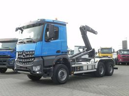 containersysteem vrachtwagen Mercedes-Benz Arocs 3345 6x4 Abrollkipper 2017