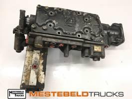 Versnellingsbak vrachtwagen onderdeel DAF Schakeldeksel 8S151