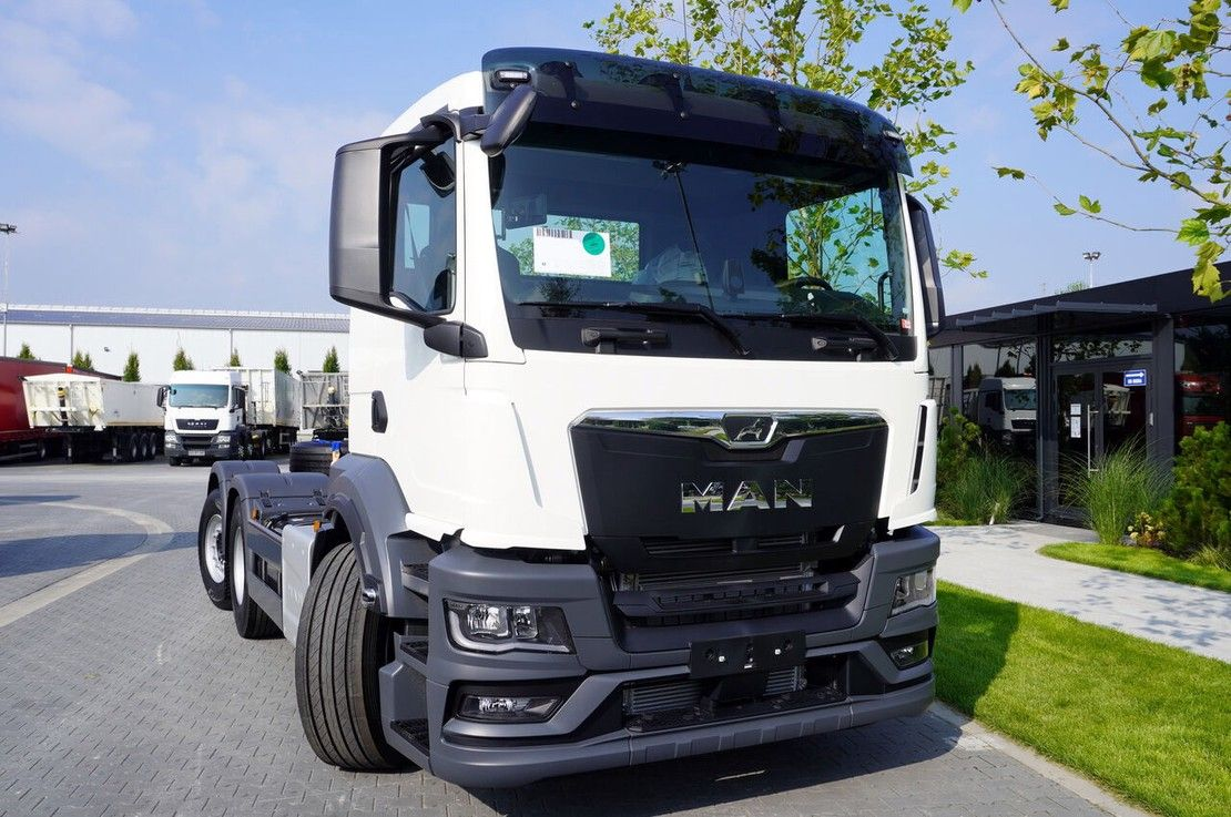 chassis cabine vrachtwagen MAN 26.430 6x2-4 LL CH / EURO 6D / FACTORY NEW / NEW MODEL 2021
