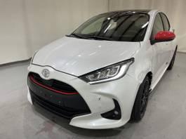 overige personenwagens Toyota IV 5-Drs 1.5 VVT-i Iconic Pano/Navi 2021